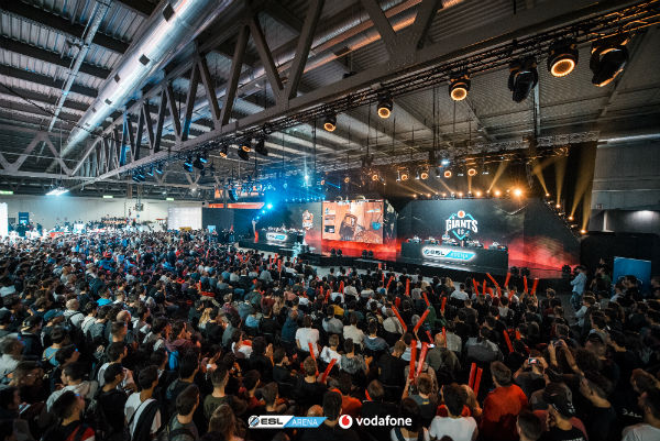 Crowd at the Rainbow 6 Siege Eurocup at Milan Games Week